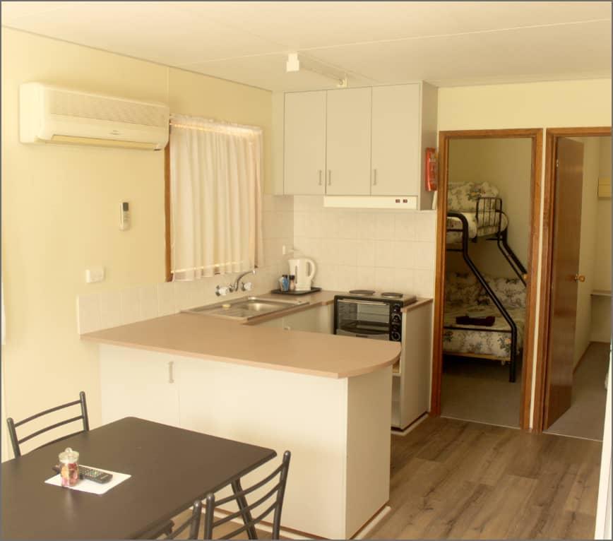cabin_kitchen_billabong7@2x